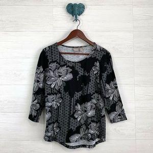 Chicos SZ 0 Black White Floral Print Knit Top